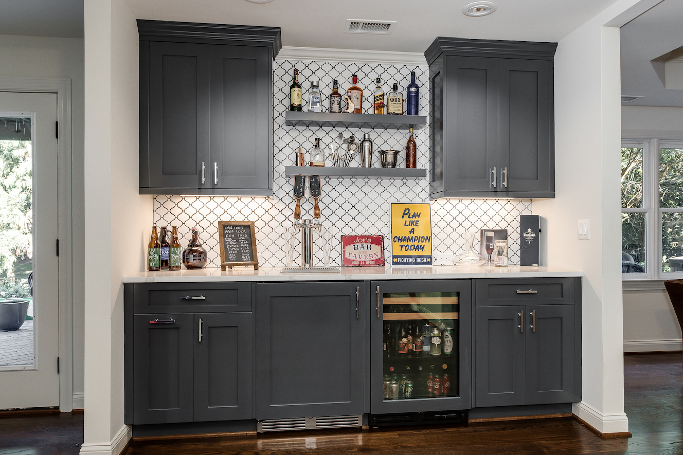 10-interiors-bar
