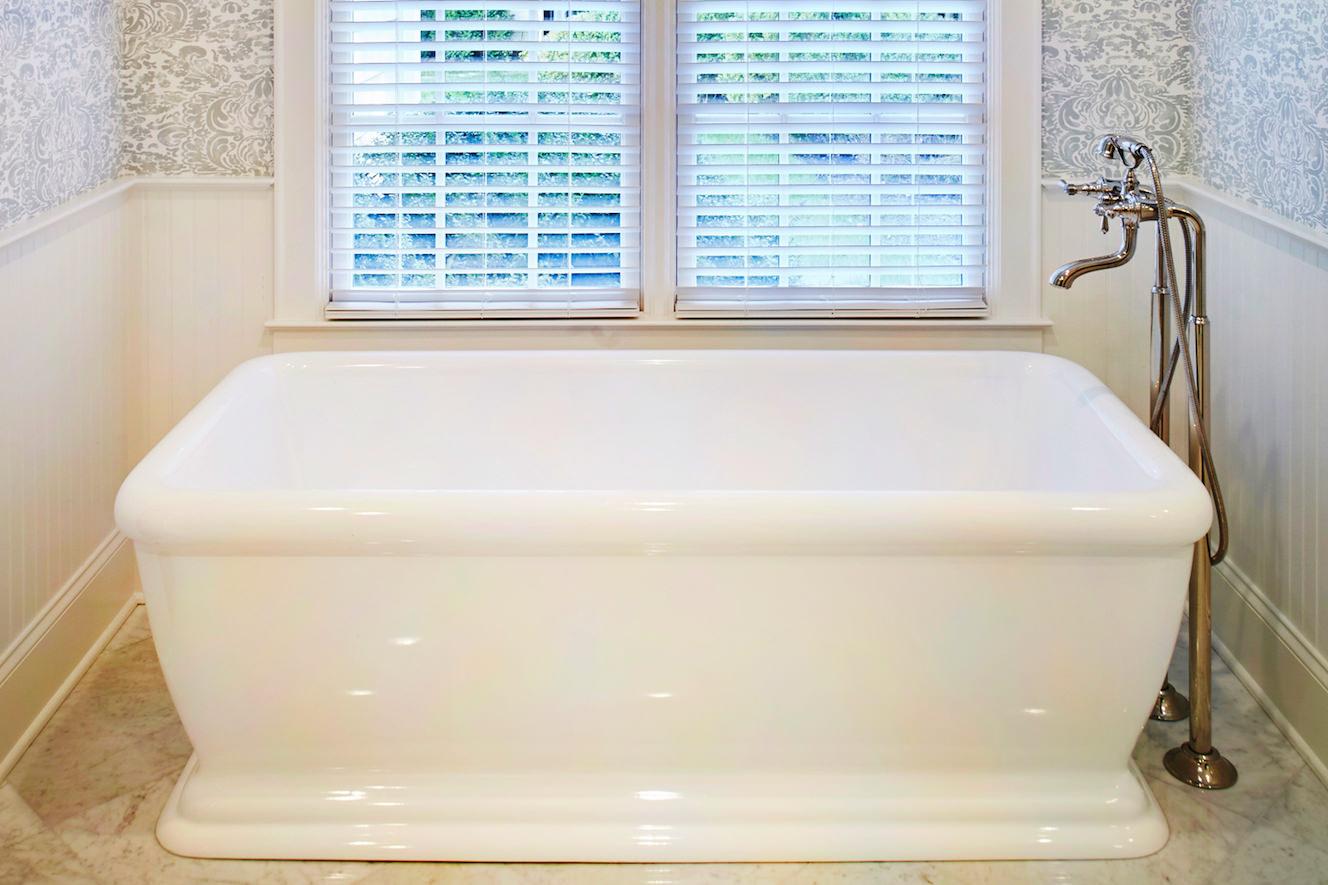 bathroom-modernized-traditional-bathtub-cropped